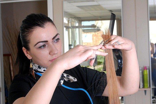 zastřihávání vlasů