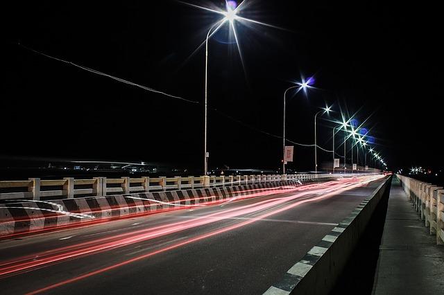 silnice v noci.jpg