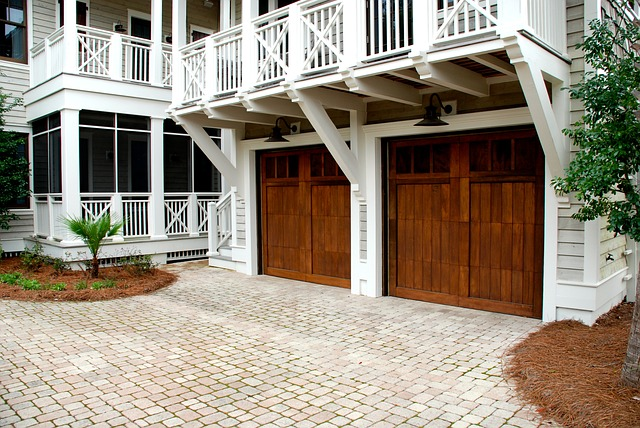 dřevěná garážová vrata.jpg
