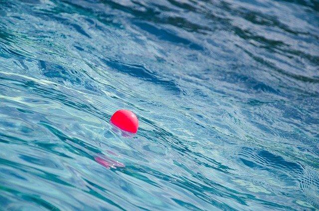míček na hladině.jpg