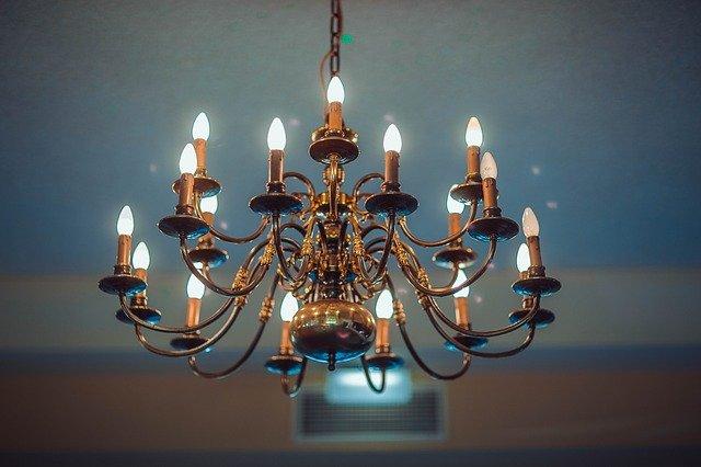 lustr svícen