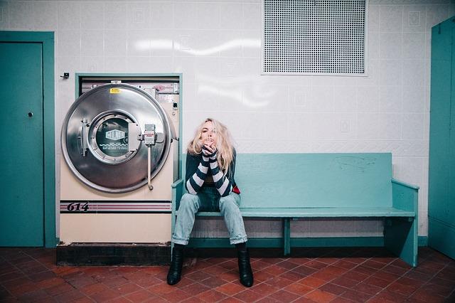 žena u pračky